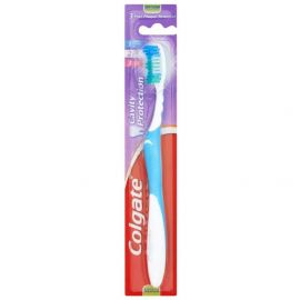 Colgate Maximum Cavity Protection Toothbrush Medium